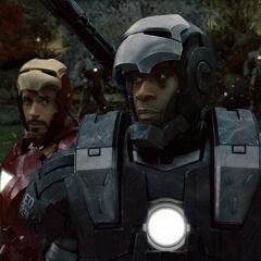 Tony fighting alongside Rhodes.