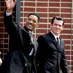 Will Smith as Agent J and Josh Brolin as 60's Agent K.