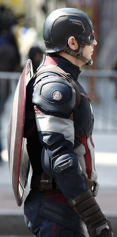 File:Captain America AoU On Set Side View.png