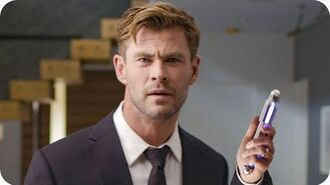 Chris Hemsworth (and His Neuralyzer) Invite You to the Men in Black International Premiere Omaze