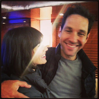 Evangeline Lilly in set with Paul Rudd