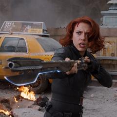Black Widow wielding a Chitauri staff