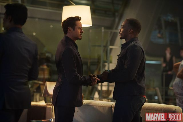 File:The-falcon-returns-in-new-avengers-age-of-ultron-images-359344.jpg