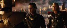 Loki et Thor parlant à Heimdall