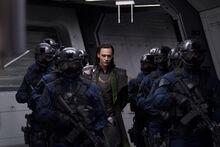 Loki-et-les-gardes