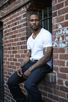 233px-Black-man-fine-guy-hot-man-omari-hardwick-Favim.com-104569