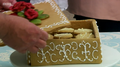 Marie-russian-box-detail-S6-Ep2