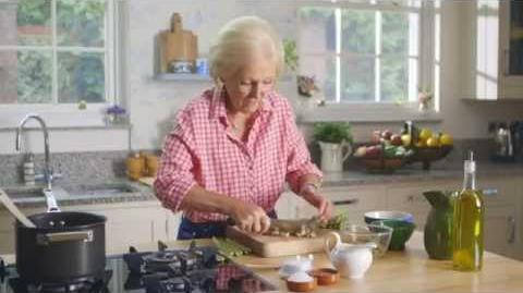 Mary Berry's Creamy Asparagus Soup