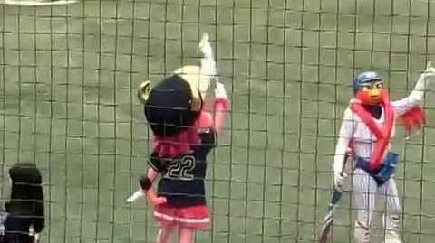 ヤクルト新キャラクター「トルクーヤ」お披露目