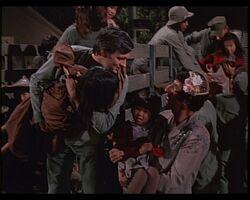 MASH episode-4x9 Hawkeye and Klinger greet The Kids
