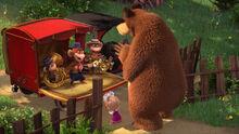 74 Маша Медведь и Обезьянки 3