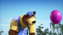 66 Медведь с шариком