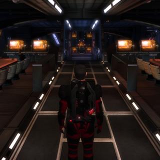 Auf dem Weg zum Techniker Offizier Ochren, welcher einen in die Einzelheiten der Kampfsimulation einweiht.