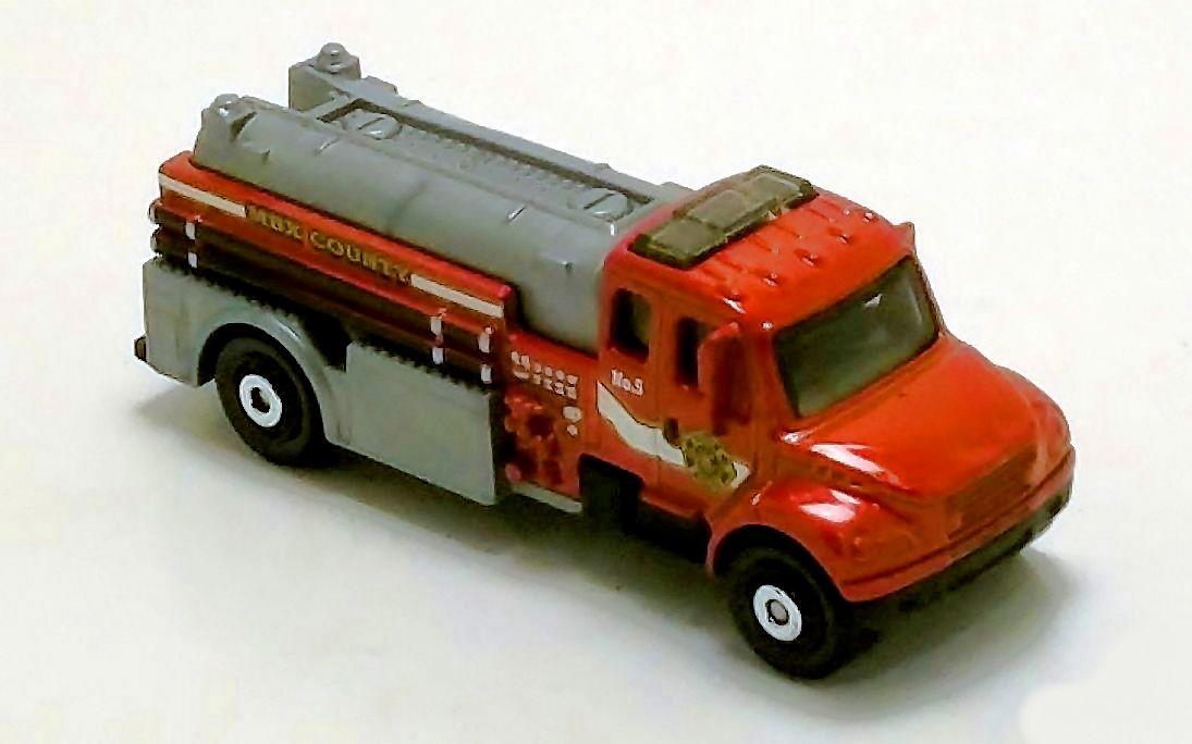 Freightliner Business Class M2 106 | Matchbox Cars Wiki | FANDOM powered by Wikia