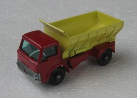 Grit-spreading Truck No.70