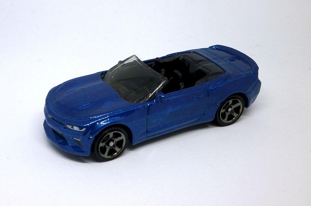 Matchbox 2018 MBX Road Trip 9//35-16 Chevy Camaro Convertible Blue