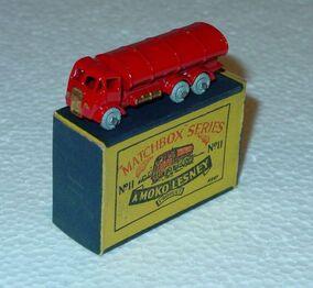 Matchbox -11A Road Tanker 1955 England