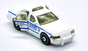 Ford Crown Victoria Police Car (2019 Moving Parts White)