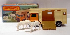 Horse Box (MB40)