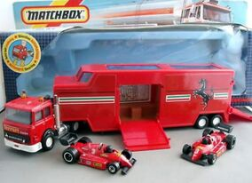 Racing Car Transporter (K-136 Red)