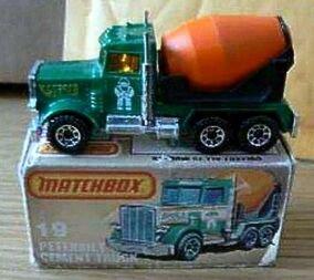 Peterbilt Cement Truck (1982 MB19)