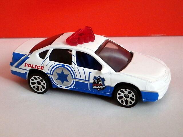 File:Chevrolet Impala (2001 5 Pack).jpg