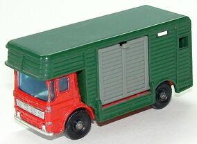 6917 Horse Box L