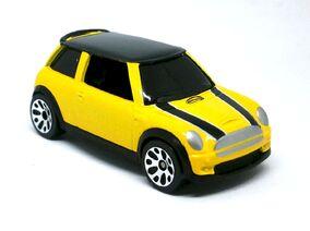 Mini Cooper S 2004 Yellow)