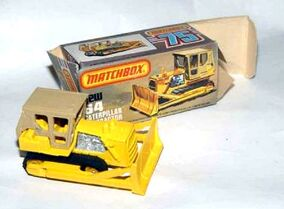 Caterpillar D9 Tractor (1979-81 Box)