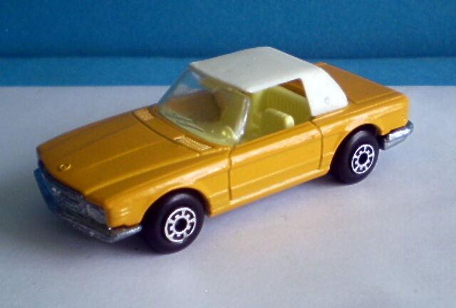 File:Mercedes 350SL Convertible (White roof).jpg