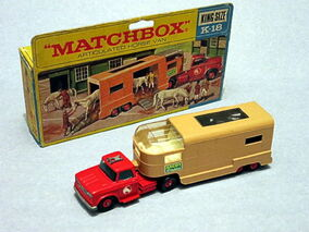 Articulated Horse Van (1967-69 Box)