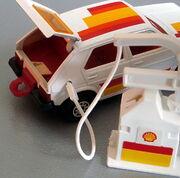 VW Golf (Sheel Refualing gas pump)
