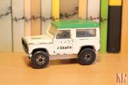 Land Rover Defender 1983 90 Matchbox 01