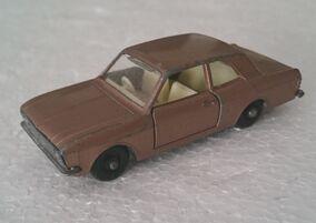 Ford Cortina (No. 25, brown)