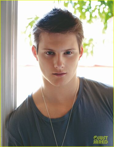 File:Alexander-ludwig-da-man-april-08.jpg