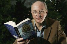 Филип Пулман со своей книгой