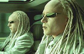 File:TwinsGlassedInACar.jpg