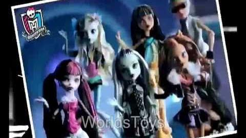 2010 º Monster High dolls commercial