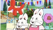 Max and Ruby balloon animal