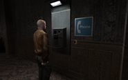 Мафиози говорит по телефону