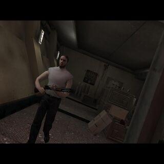 Boris Dime con su escopeta de corredera.
