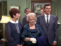 S7E5 Aunt Bee's Crowning Glory
