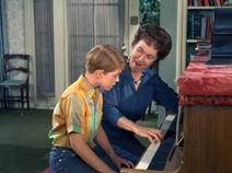 S7E26 Opie's Piano Lesson