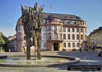 Osteiner Hof mit Fastnachtsbrunnen