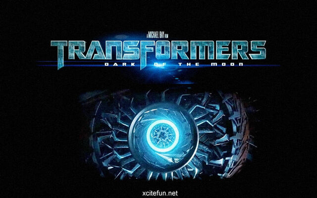 File:Transformers-Dark-Of-The-Moon-Wallpaper-transformers-dark-of-the-moon-22394820-1024-640.jpg