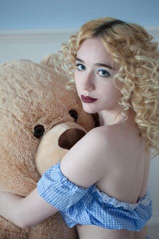 File:Limecrime yungelita teddybear.jpg