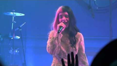 Melanie Martinez-Soap (Live in Boston 3 29 16)
