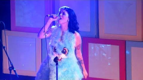 Melanie Martinez - Soap LIVE (10 7 15)