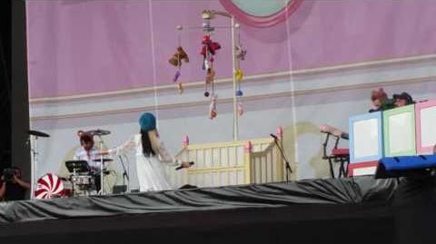 Melanie Martinez- Dollhouse LIVE (Lollapalooza July 28th)