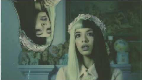 Melanie Martinez - Blue Knees